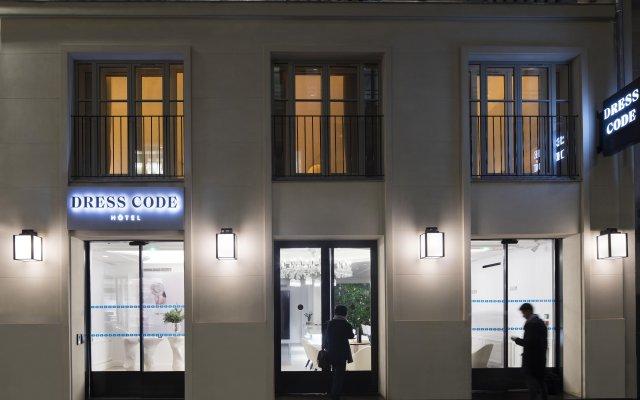 Отель Dress Code And Spa Париж вид на фасад