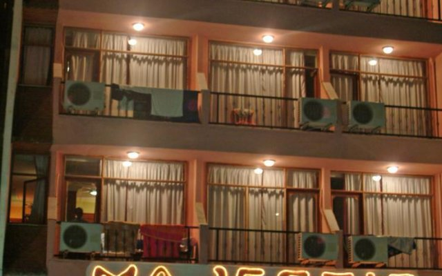 Majestic Hotel Турция, Алтинкум - отзывы, цены и фото номеров - забронировать отель Majestic Hotel онлайн вид на фасад