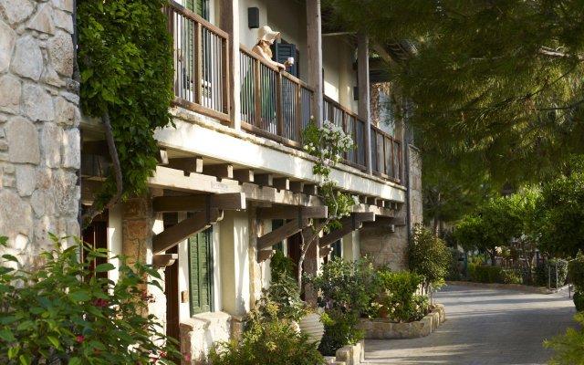 Отель Columbia Beach Resort вид на фасад