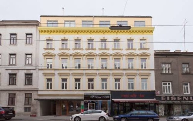 Отель Yourapartment 1150 Вена вид на фасад