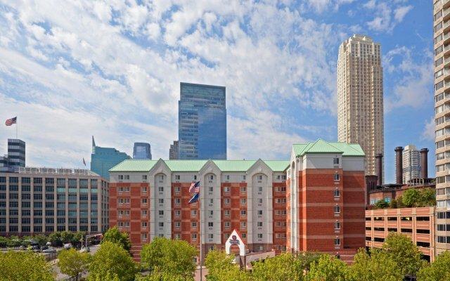 Отель Candlewood Suites Jersey City - Harborside вид на фасад