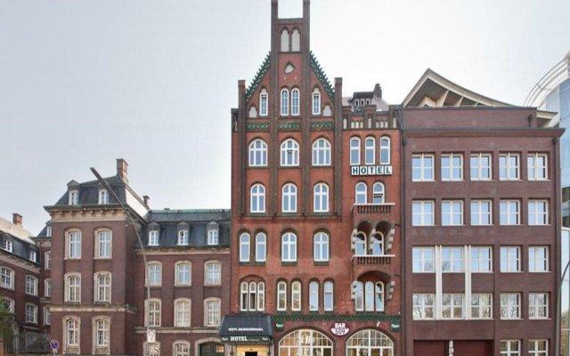 Отель Novum Holstenwall Neustadt Гамбург вид на фасад