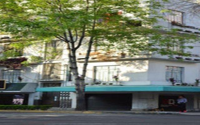 Отель Hostal Corona Condesa Мехико вид на фасад