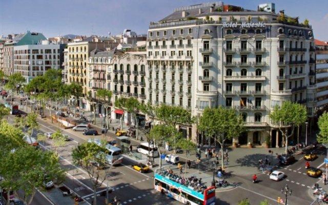 Отель Majestic Residence Испания, Барселона - 8 отзывов об отеле, цены и фото номеров - забронировать отель Majestic Residence онлайн вид на фасад