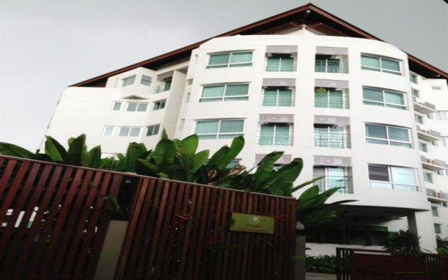 Отель Baan Salin Suites вид на фасад