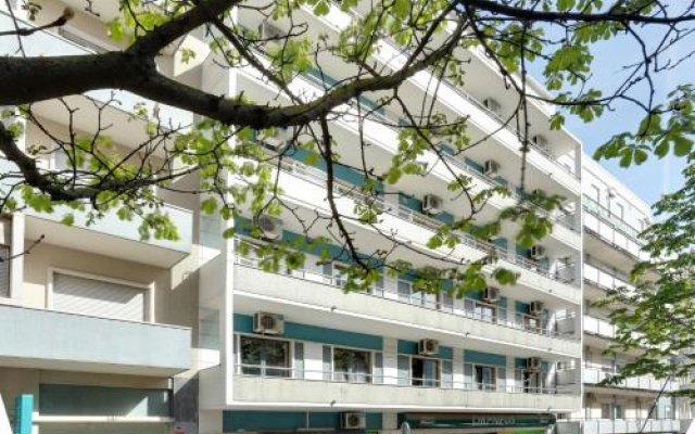 Hans Brinker Hostel Lisbon Лиссабон вид на фасад