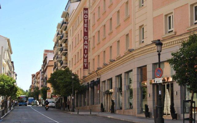 Hotel Ganivet вид на фасад