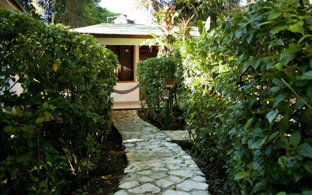 Hotel Jaguar Inn Tikal вид на фасад