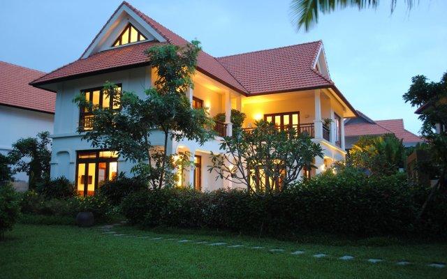 Отель Secret Garden Villas-Furama Beach Danang вид на фасад