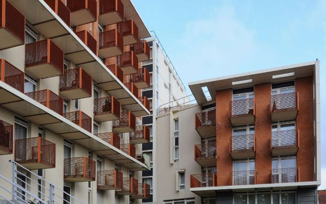 Отель Sejours & Affaires Paris-Ivry вид на фасад