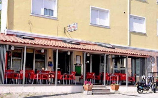 Отель Pension Costiña вид на фасад