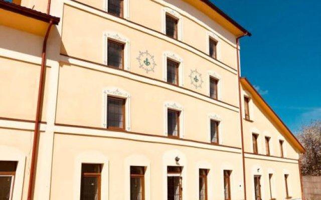 Гостиница Coin Украина, Львов - отзывы, цены и фото номеров - забронировать гостиницу Coin онлайн вид на фасад