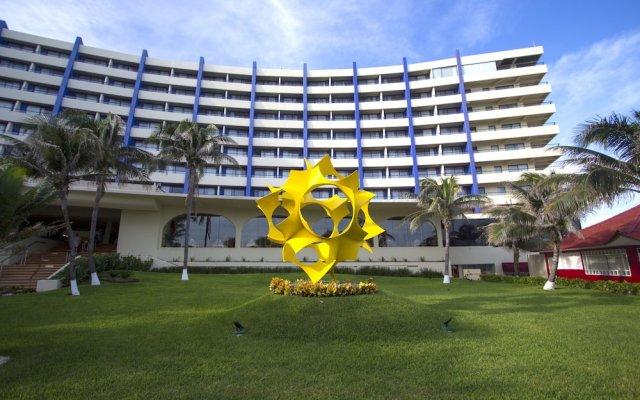 Отель Crown Paradise Club Cancun - Todo Incluido вид на фасад