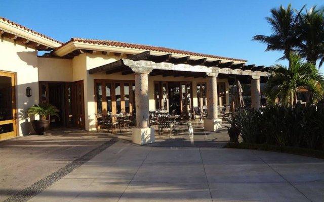 Отель Cabo Marina Beach Condos Bed And Breakfast - Adult Only вид на фасад
