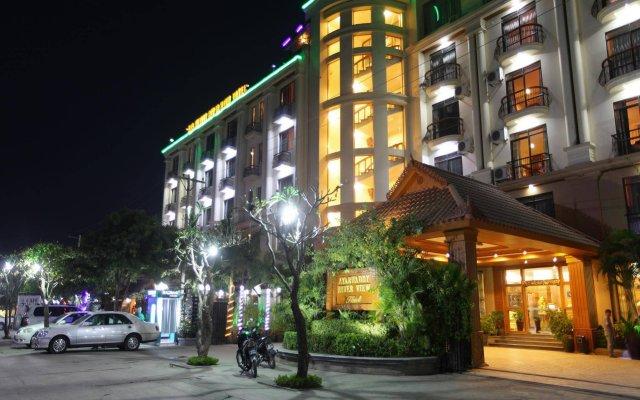 Ayarwaddy River View Hotel вид на фасад