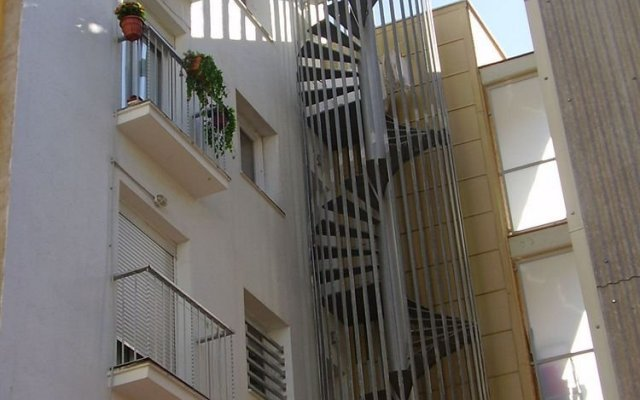 Отель Hostal Blanes La Barca Испания, Бланес - отзывы, цены и фото номеров - забронировать отель Hostal Blanes La Barca онлайн вид на фасад