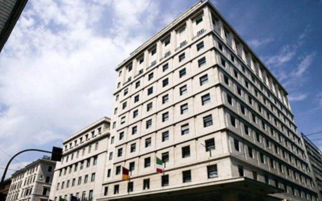 Отель Bettoja Mediterraneo Италия, Рим - 3 отзыва об отеле, цены и фото номеров - забронировать отель Bettoja Mediterraneo онлайн вид на фасад