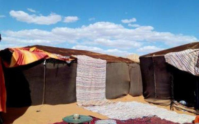 Отель Desert Camel Camp Марокко, Мерзуга - отзывы, цены и фото номеров - забронировать отель Desert Camel Camp онлайн вид на фасад