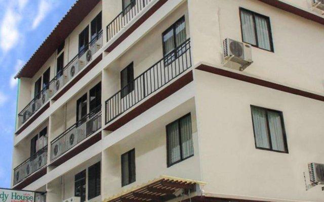Отель Wendy House Бангкок вид на фасад