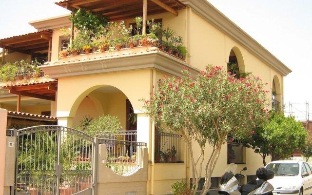 Отель Affittacamere Acquamarina Ористано вид на фасад