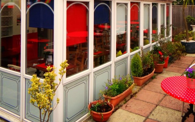 Отель Charlotte Guest House Лондон вид на фасад