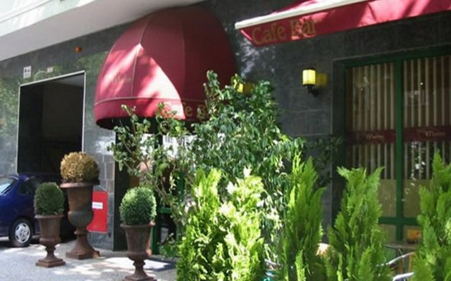 Artim Hotel вид на фасад