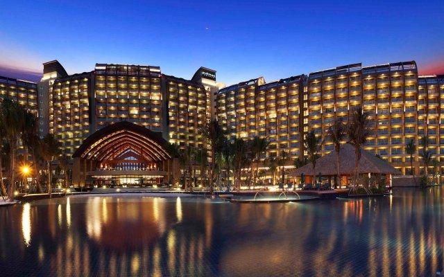 Отель Pullman Oceanview Sanya Bay Resort & Spa вид на фасад