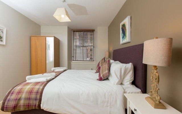 Отель Bright and Stylish Apartment - Old Town! Великобритания, Эдинбург - отзывы, цены и фото номеров - забронировать отель Bright and Stylish Apartment - Old Town! онлайн комната для гостей