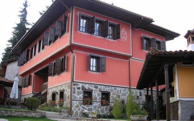Отель Gozbarov's Guest House Болгария, Копривштица - отзывы, цены и фото номеров - забронировать отель Gozbarov's Guest House онлайн вид на фасад