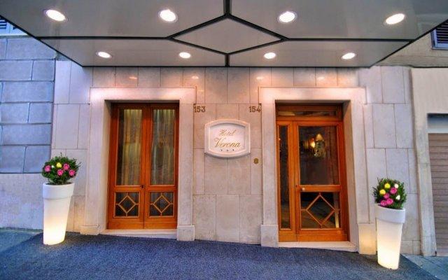 Отель Verona-Rome Италия, Рим - 10 отзывов об отеле, цены и фото номеров - забронировать отель Verona-Rome онлайн вид на фасад