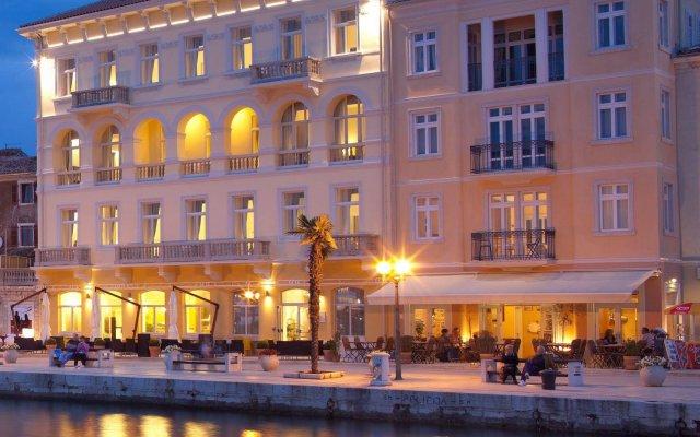 Отель Valamar Riviera Hotel & Villa Parentino