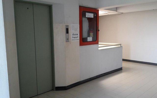 Отель Meenayothin MuayThai Gym Бангкок интерьер отеля