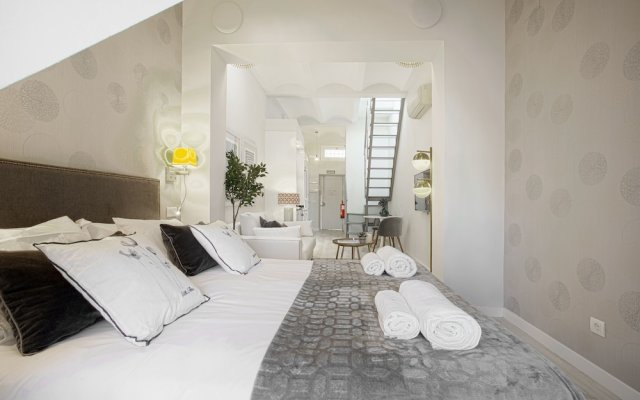Penthouse With Private Terrace & Balcony in Plaza Mayor Square. Plaza Mayor IV