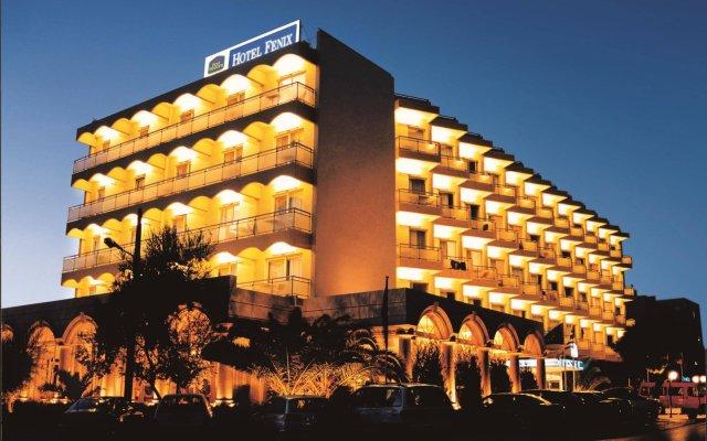 Fenix Hotel вид на фасад