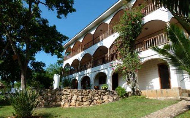 Отель Colibri Hill Resort Гондурас, Остров Утила - отзывы, цены и фото номеров - забронировать отель Colibri Hill Resort онлайн вид на фасад