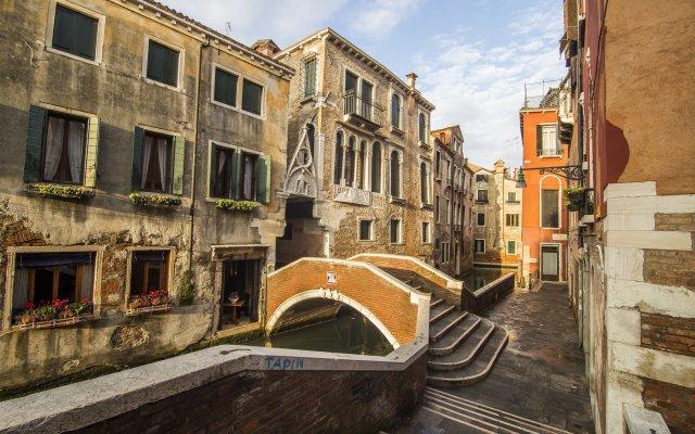 Отель Dimora Dogale Венеция вид на фасад