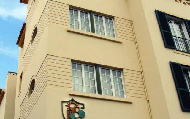 Отель Apartamentos Turisticos Avenue Park вид на фасад