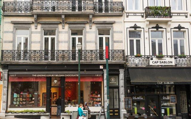 Отель Smartflats City - Grand Sablon Брюссель вид на фасад