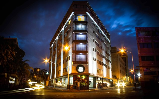 Hotel Perla Central вид на фасад