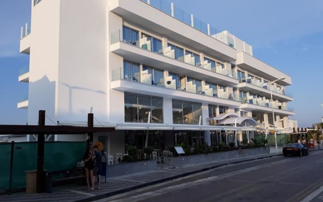 Отель Protaras Plaza Протарас вид на фасад