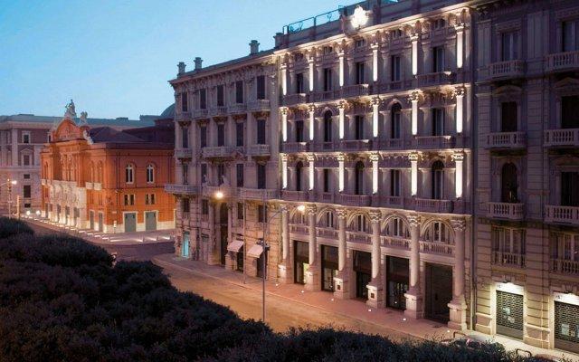 Oriente Hotel Бари вид на фасад
