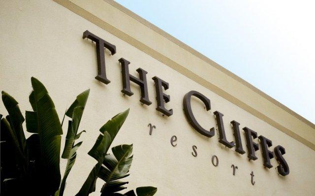 Отель The Cliffs Resort вид на фасад