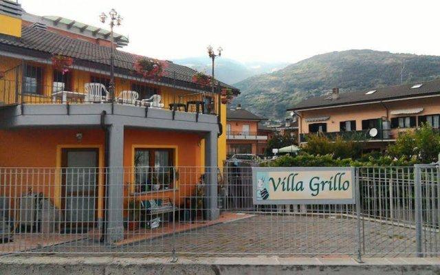 Отель La Casa Del Grillo 2 Аоста вид на фасад