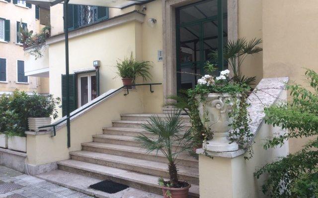 Отель Clodio Rooms Италия, Рим - отзывы, цены и фото номеров - забронировать отель Clodio Rooms онлайн вид на фасад