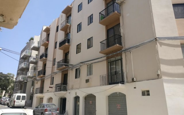Отель Luxury Msida Circle Suites вид на фасад