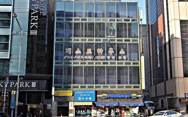Отель Guest House Myeongdong вид на фасад
