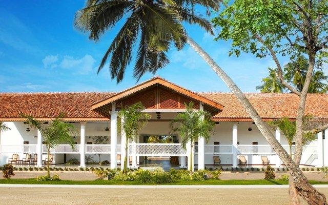 Отель The Villas Wadduwa вид на фасад