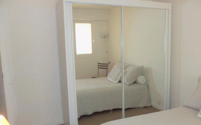 Апартаменты Studio Palm Beach комната для гостей