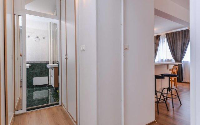 Отель FM Premium 2-BDR Apartment - Eleganto Болгария, София - отзывы, цены и фото номеров - забронировать отель FM Premium 2-BDR Apartment - Eleganto онлайн комната для гостей