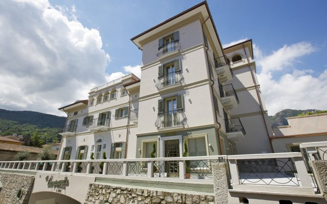 Отель Al Campanile Aparthotel And Suite Бавено вид на фасад